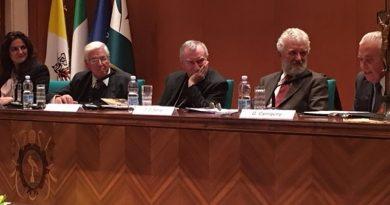 El Papa Francisco prologa el libro de Guzmán Carriquiry