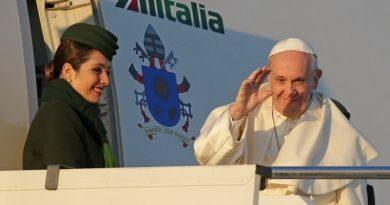 Inicia Francisco viaje apostólico Chile y Perú