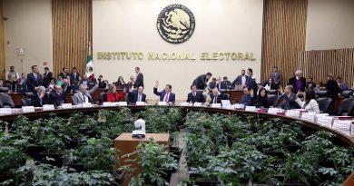 Lorenzo Córdova Vianello se reúne con representantes de organizaciones de la sociedad civil