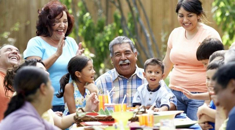 La familia es una institución central en la cultura latinoamericana