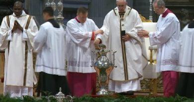 Francisco pide sacerdotes cercanos a la gente