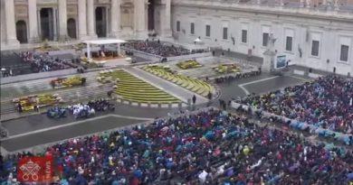 Francisco: la participación en la Misa conlleva un compromiso