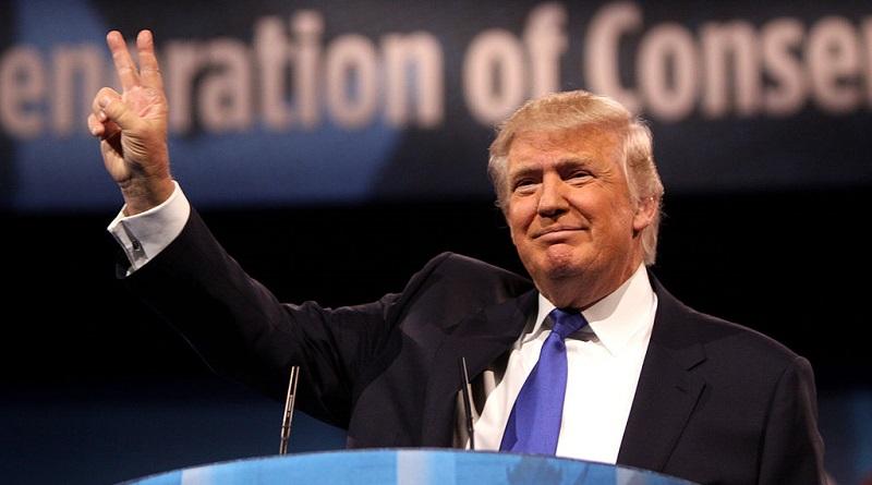 """a Trump le encanta hacer leyes con """"un bolígrafo y un teléfono"""""""