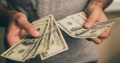 Por qué el gran gobierno, los grandes bancos y las grandes tecnológicas odian el efectivo