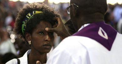 """La emigración religiosa amenaza """"vaciar"""" la Iglesia en África"""