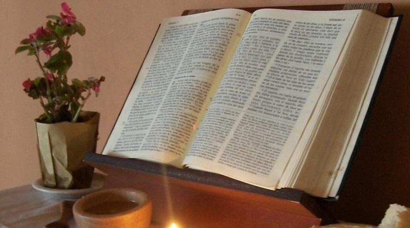 Septiembre, mes de la Biblia.