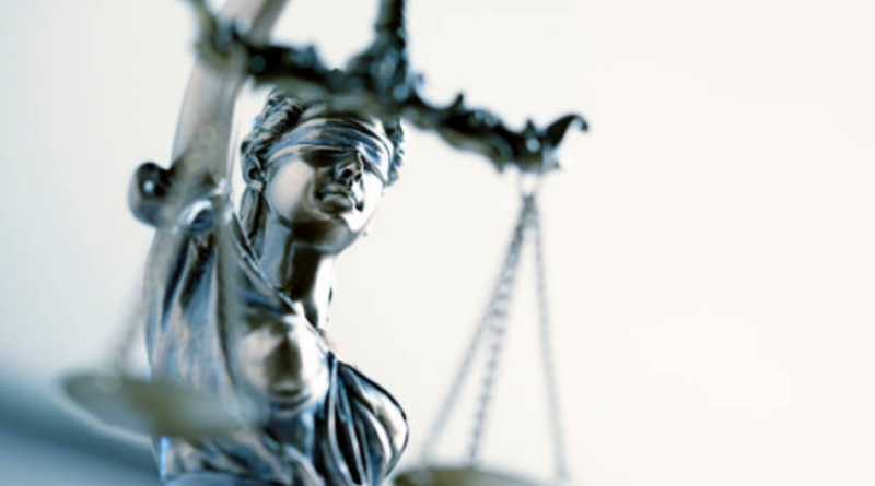 Por qué las élites prefieren un sistema legal centralizado