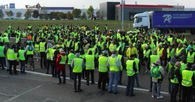 Franceses enfurecidos por impuestos al combustible y el costo de la vida