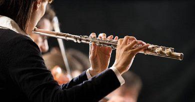 """Mujer flautista demanda a Sinfónica de Boston por """"paga desigual"""""""