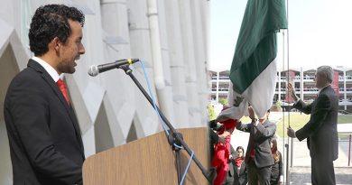 La UPAEP celebra el Día de la Bandera