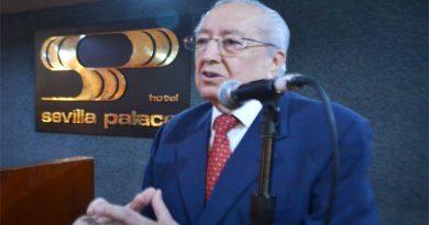 Conferencia de Francisco Javier Salazar, presidente del Instituto de Política Laboral