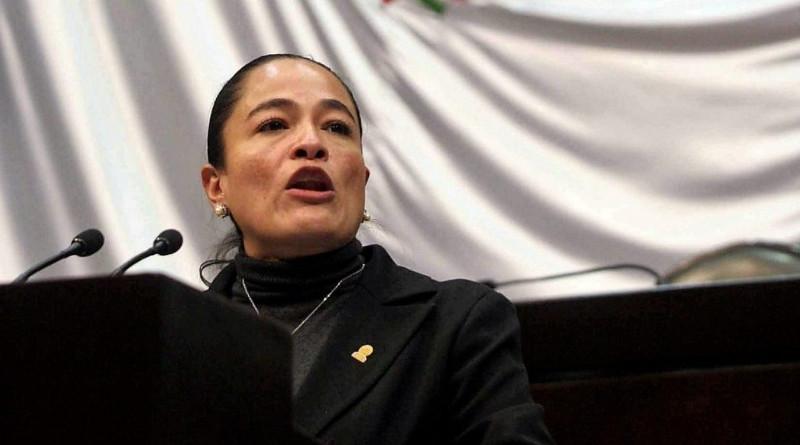 Verónica Juárez Piña, a nombre del PRD pide que AMLO promueva la Constitución, no su cartilla moral