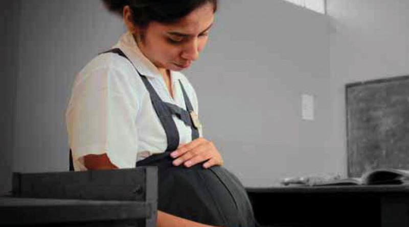Piden apoyo a embarazo inesperado de jóvenes
