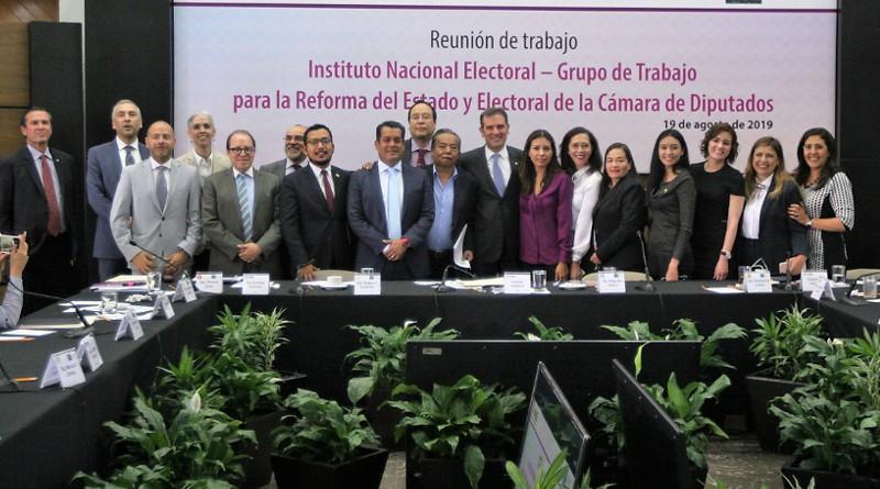Que reforma electoral sea por consenso, no por imposición: INE