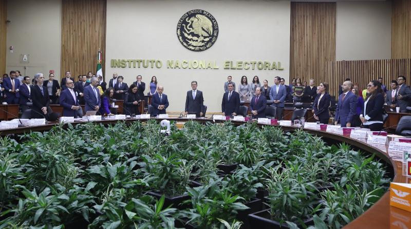 Inicia INE batalla legal para salvaguardar democracia en BC