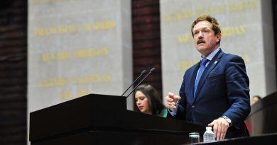 Demanda Romero Hicks (PAN) no reducir recursos a municipios