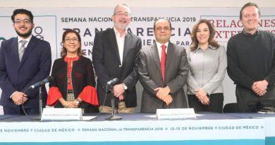 La transparencia no acontece por decreto; reclama una gran voluntad política de los altos mandos del Poder, dice el Comisionado Presidente del INAI, Francisco Javier Acuña Llamas.