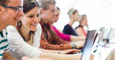 Universidad: Formadora de profesionales