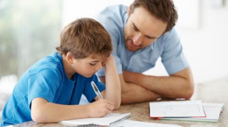 Deben papás plantearse ambiciosas metas profesionales para con sus hijos.