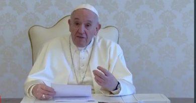 Papa Francisco y el documental.organizado por la Fundación Scholas Occurrentes.
