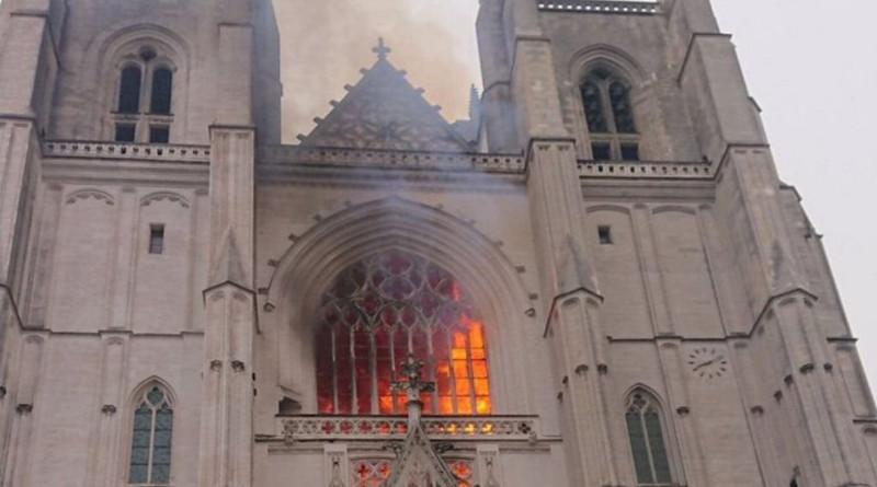 Ya está siendo cada vez más frecuente el vandalismocontra templos católicos.