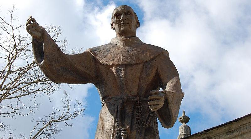 Pese a la devoción a Fray Sebastián de Aparicio, aún no se le ha canonizado, es decir, aún no sele ha declarado santo.