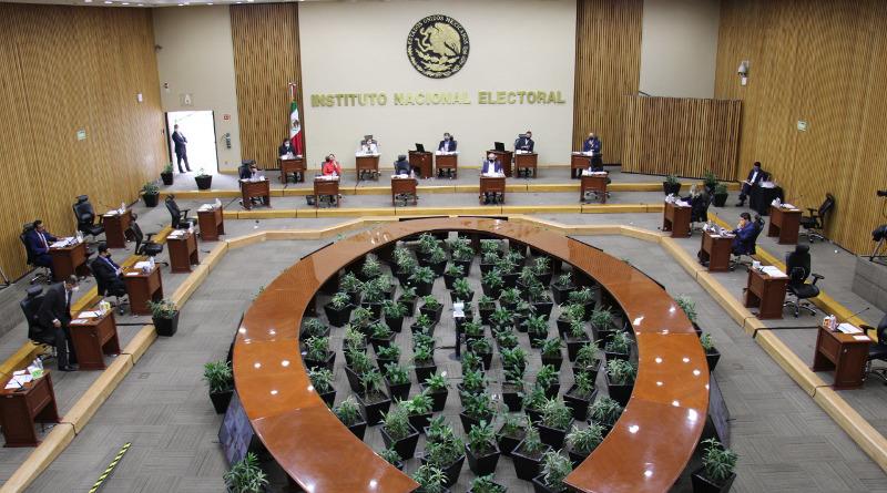 Quienes venció su credencial del INE el 1 de enero de 2020, podrán votar en las elecciones de 2021,determina el INE.