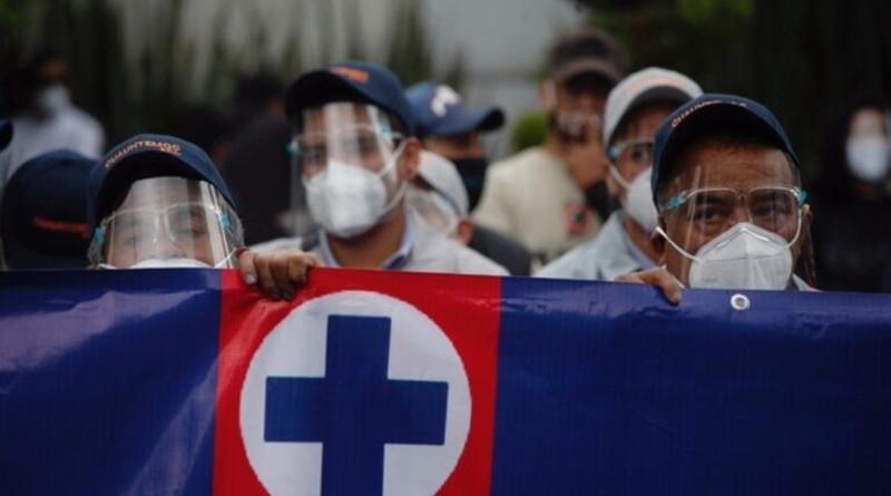 Integrantes de la Cooperativa La Cruz Azul piden al presidente López Obrador intervenga para defender sus derechos.