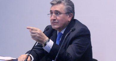 """Mtro. Luis Raúl González Pérez, Coordinador del PUDH de la UNAM, explica el objetivo del Foro """"Derechos Humanos, Covid-19 y la Nueva Normalidad""""."""