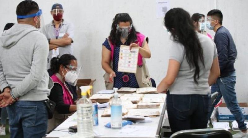 El Instituto Nacional Electoral (INE) informó que a las 9:51 horas del viernes 11 de junio se terminó el escrutinio y cómputo del 100% de las 163 mil 666 actas a nivel nacional del Proceso Electoral Federal 2020-2021, en el que se registró una participación ciudadana del 52.66%.