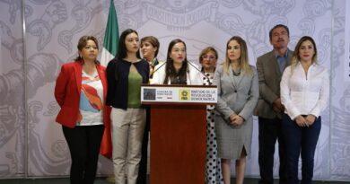 La Consulta Popular le servirá a Andrés Manuel López Obrador para montar una estrategia para influir en el voto a favor de Morena y del candidato presidencial que imponga, afirma Verónica Juárez, coordinadora de los diputados del PRD.