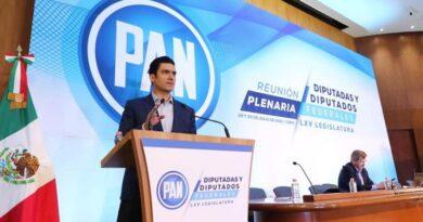 El dirigente nacional del PAN, Marko Cortés, anunció también que Santiago Creel Miranda será quien encabece la Mesa Directiva en la LXV Legislatura.