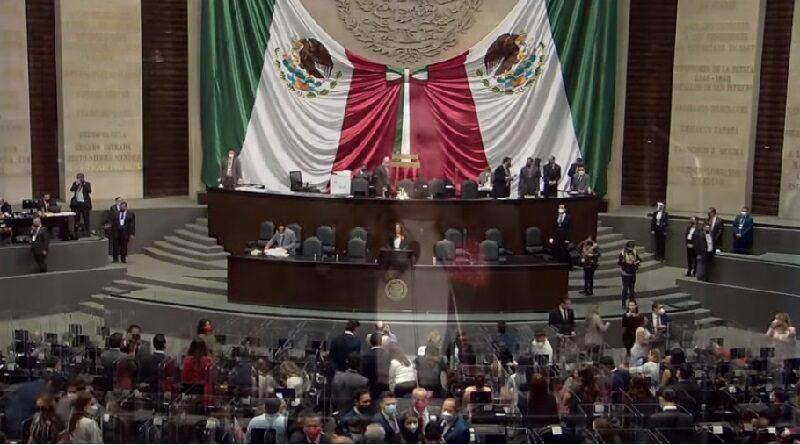 El diputado Sergio Carlos Gutiérrez Luna (Morena) presidirá la Mesa Directiva y el coordinador del PRI, Rubén Moreira Valdez, presidirá la Junta de Coordinación Política en el primer año de ejercicio de la LXV Legislatura.