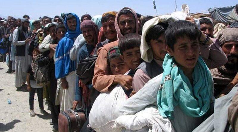Como católicos, debemos seguir las noticias; y cada vez que nos enteremos de una noticia referente a Afganistán, pedir por esa gente.
