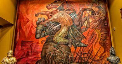 México es la fusión de dos culturas, como admirablemente expresa el mural de Jorge González Camarena, y comienza su caminar apenas el 27 de septiembre de 1821.