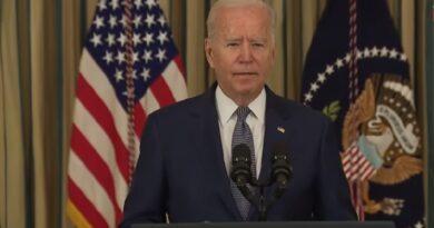 El presidente de Estados Unidos firma una orden ejecutiva para en los siguientes 6 meses el Fiscal General dé a conocer información sobre los ataques terroristas a las Torres Gemelas de Nueva Yor el 11 de septiembre de 2001.