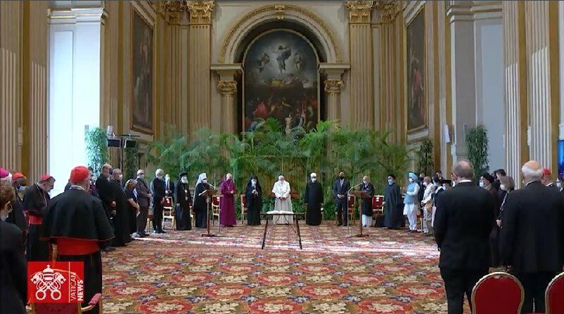 El Papa Francisco reunió en el Vaticano cerca de 40 líderes religiosos para expresar su apoyo a la COP 26 de Glasgow y su preocupación por el cambio climático.